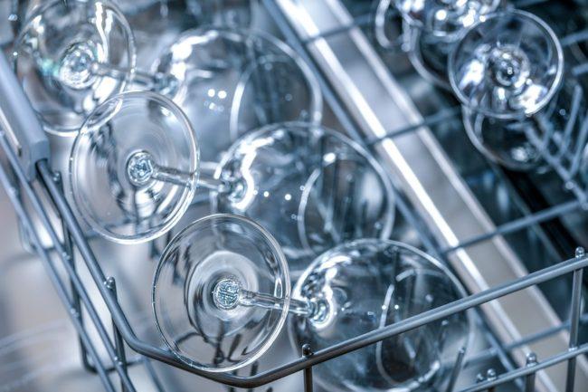 jak vybrat tablety do myčky nádobí