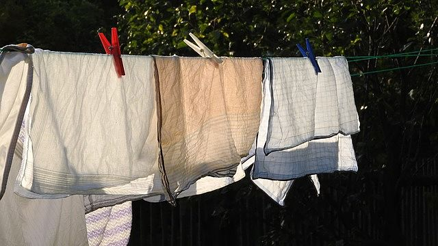 šňůra s prádlem