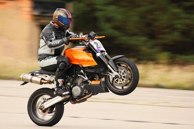 jak vybrat boty na motorku