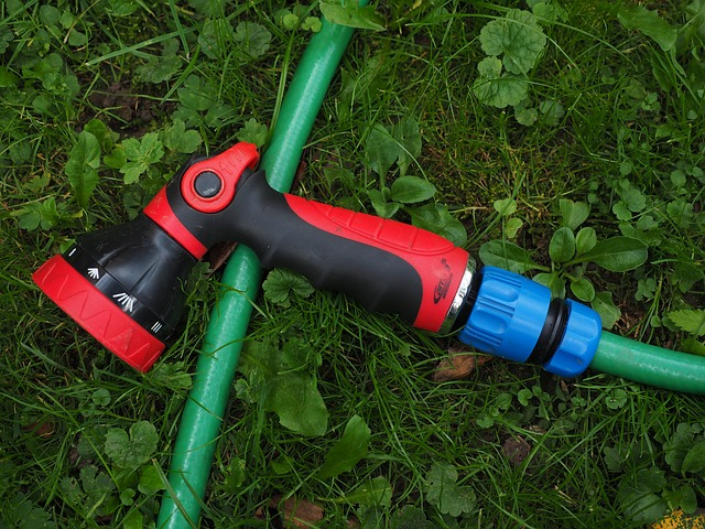 jak vybrat zahradní hadici