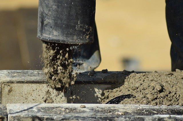 Lití betonu