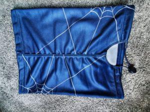 Antivirový šátek zadní strana