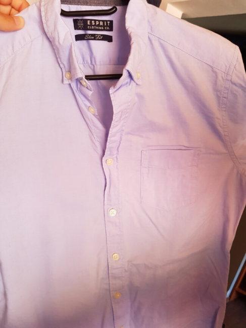 Košile levá část je po použití napařovače Philips GC 363, prává nikoliv