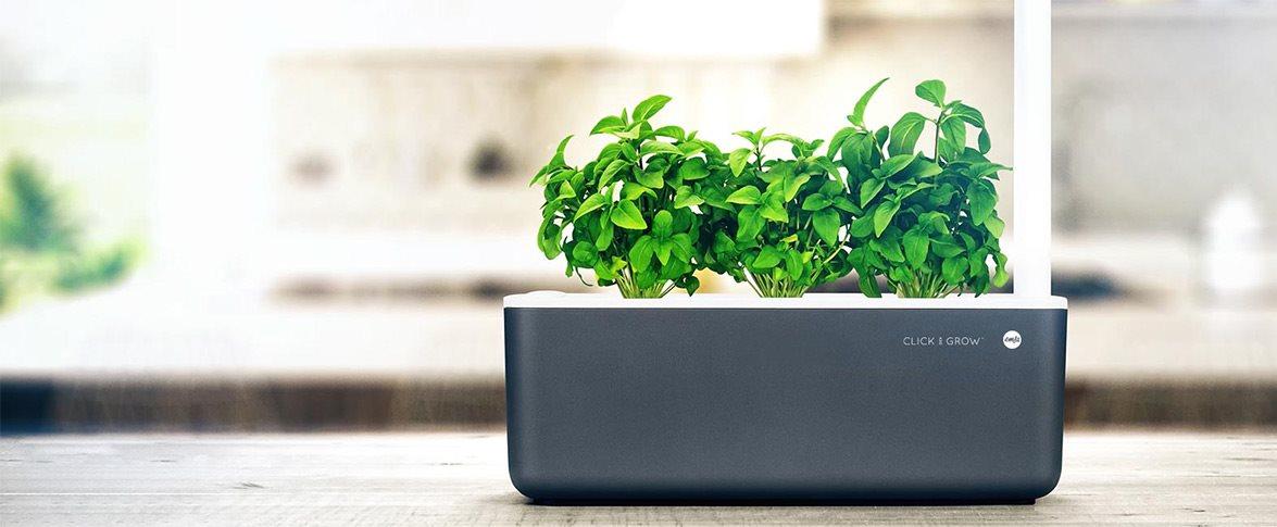 Chytrý květináč Click And Grow Smart Garden 3